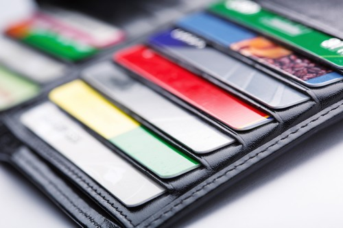 Unterschied Zwischen Debit Und Kreditkarte